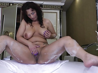 Broad in the beam curvy MOM all round huge ass and sex hunger