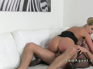 Beautiful Milf agent banged in casting