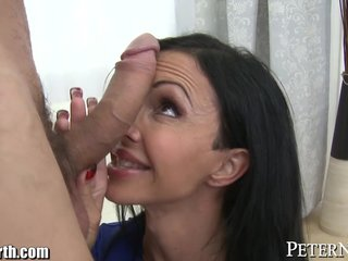 Huge Bowels MILF Jewels Jade gets Chunky Load of shit
