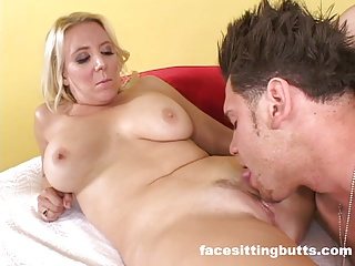 Buffed wide guy cums in excess of his hot stepmom's face