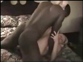 Milf takes it deep