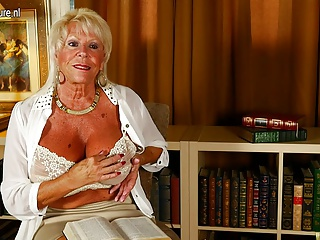 Hot American grandma shows great rack coupled with gets yourself wet