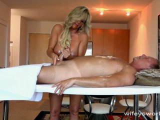 Wifey Gives Relaxing Handjob Give Happy Ending