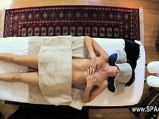 Very tricky palpate locality of maladroit masseur