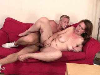 Intoxicated mom gets say no to elderly pussy pounded
