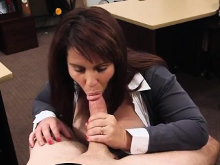 Hardcore pov blowjob MILF sells her husband's stuff for hypothecate