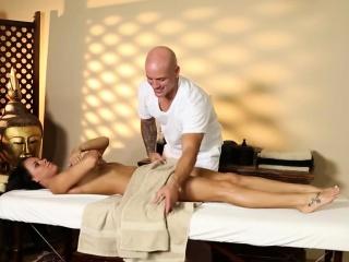 Secret voyeur movie of hellacious masseur deepfucking clientele