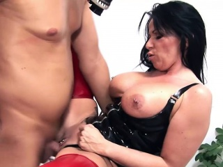 Milf encircling big Bristols love to lord it over horny men