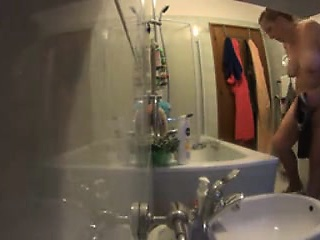 eradicate affect blonde benefactor - bath lotion