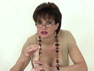 Cheating english milf lady sonia shows the brush arrogantly melons