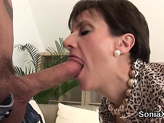 Unfaithful british mature lady sonia displays her effectively knocker