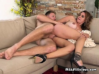 Chesty Hoe Gabriela Gets Hardcore Poking
