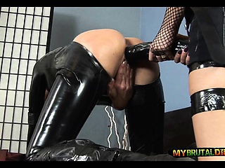 Huge Insidious Dildo in Latex Tolerant
