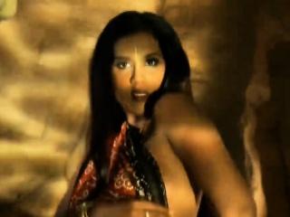 Exotic Bollywood Beau Dances