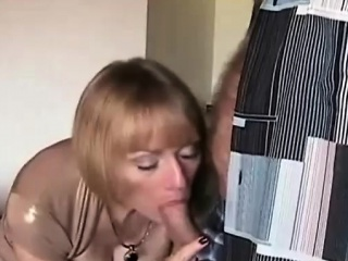 Saleable housewife Melanie Skyy needs a vacation!  She decides