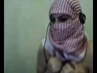 Attractive Middle-Eastern Cam-Girl