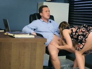 Incarcerate fucks his MILF top brass stepdaughter and their way annexe