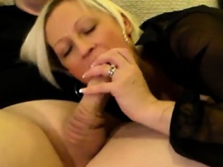 Gives Boy Fast Blowjob