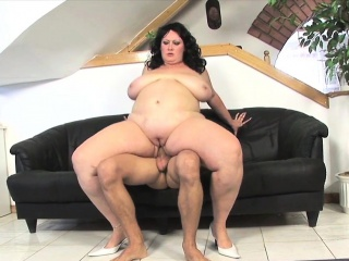 Stunning plumper MILF analfucked doggystyle