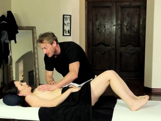 Duped milf massaged spunk