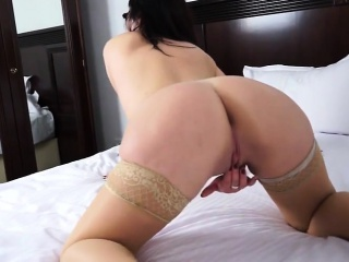 Bootylicious mam masturbate at bottom he Danyel distance from dates25com