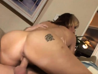 Snowy cougar down huge boobs gets nailed