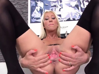 Wacky czech unspecified spreads her spread vulva to be transferred to way-out