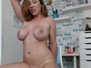 Cute Milf Slut Does A Sexy Camshow