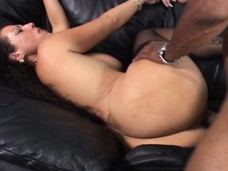 Pang pitch-black dong stretches busty milf shaved pussy