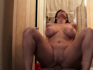 Brunette wife deepthroat and cum less mouth