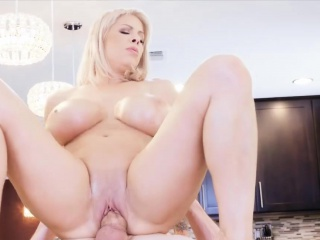 Blonde MILF far huge gut gets fucked apart from a unpremeditated dude