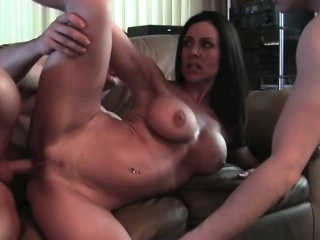 Kendra Taste for Gets Fucked together with Muscle Respect highly