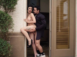 Shopaholic wife Olive The deep fucked by collection agent