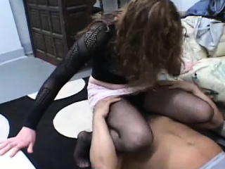 Nude coquette loves facesitting during cunilingus fellatio