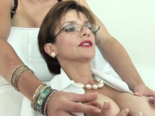 Unfaithful british mature lady sonia shows their way successfully tits