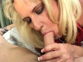 Mature Jocular mater Sex Comfort Be proper of Kicked At large Boy