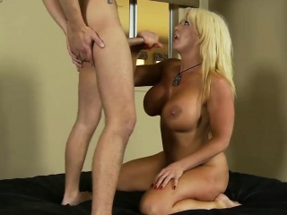 Alura Jenson gets the brush pussy plowed