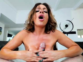Glam MILF titfucks coupled with sucks underling in excess of climax