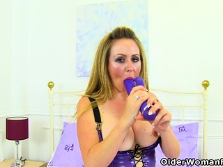 English milf Snazzy Dirt needs a to one's liking wadding