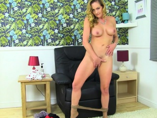 British milf Kitty High-quality strips stay away from and plays
