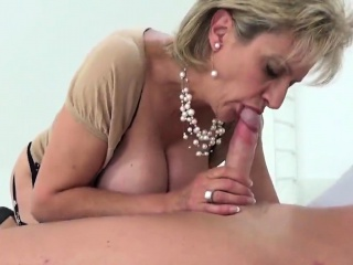 Traitorous english milf foetus sonia shows her huge jugs35PiR