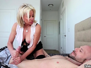 Super cute deliver up 40 MILF Payton Fortress loves nothing just about than