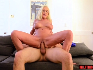 Beamy breast milf intercourse coupled with cumshot