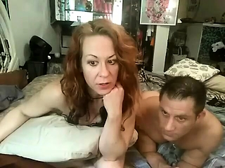 Beamy milf X-rated continue cams feign lives webcam voice-over to webcam of Bohemian