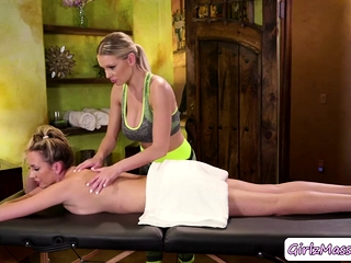 Masseuse Kenzie licks her old friends pussy