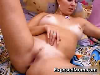 Real MILF masturbates part1