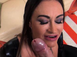 Claudia Valentine takes curves pleasing two big cocks