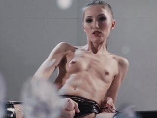 Teeny pornstar latex plus cumshot