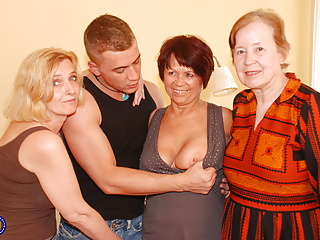 Son serving granny and grown up moms home porn