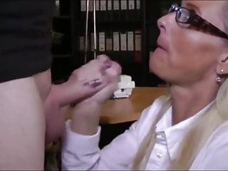 Broad in the beam Young Boy Fucks His First Amateur Putrefied Of age MILF